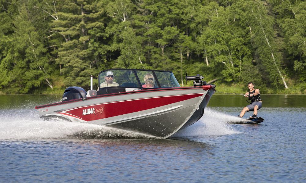 Alumacraft, Wake boarding, Lake, Boat, Spotter, Fish and ski, Male Wake boarder, Yamaha outboard motor, Upper Whitefish Lake, Minnesota