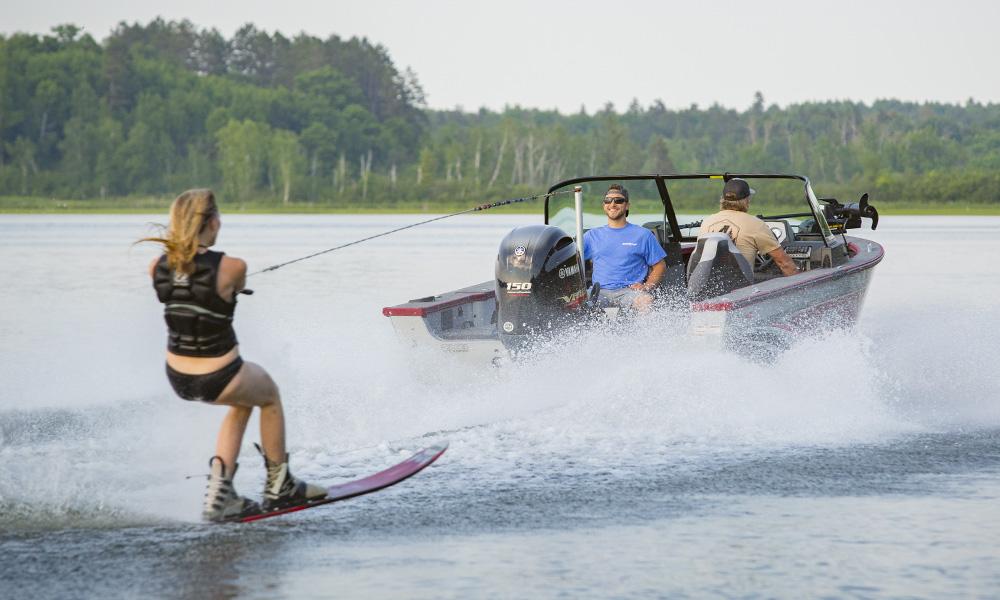 Alumacraft, Water Skiing, Lake, Boat, Spotter, Fish and ski, Female Skier, Yamaha outboard motor, Upper Whitefish Lake, Minnesota