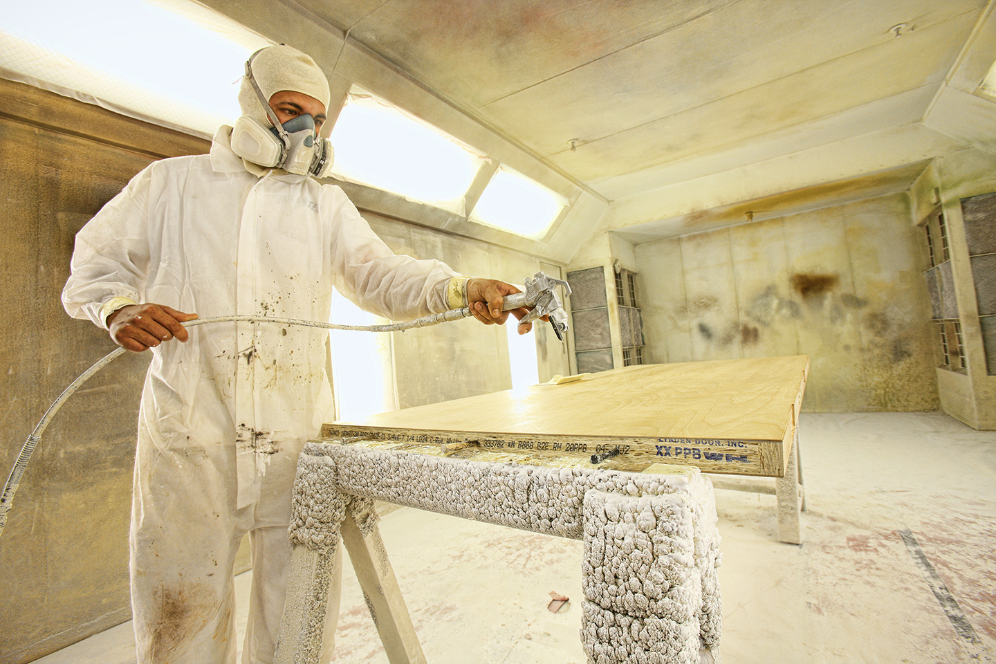 Paint Booth, Urithan, Sprayer, Tyvec suit,